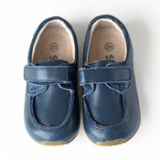 Deck Shoes in Navy